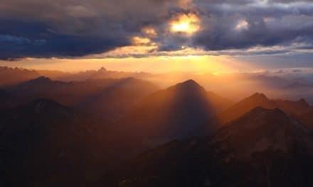 La cumbre no es el final, apenas abre camino