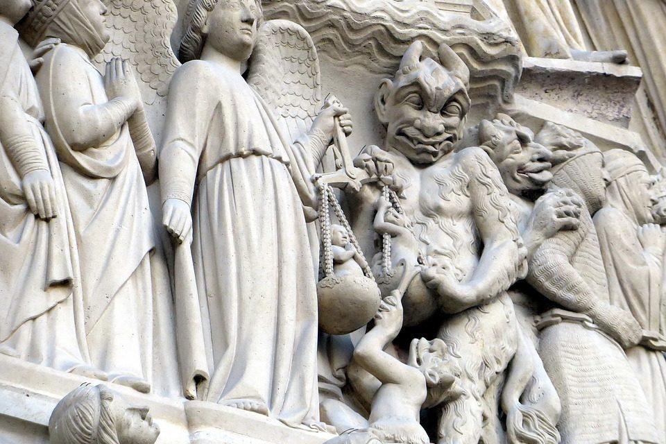 Las culturas entre el bien y el mal