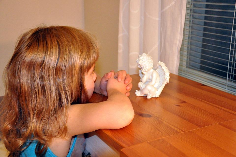 Enseña a tus hijos a orar