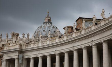 Iglesia, templo, cura, vicario… ¿Qué es cada uno?