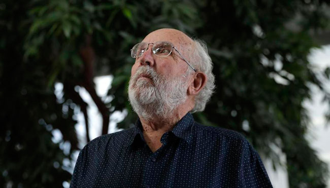 «Dios no está en el cosmos», opina el premio Nobel de física 2019