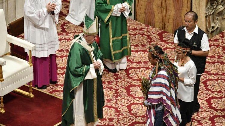 El Papa en octubre: Mes misionero, Sínodo amazónico y nuevos santos