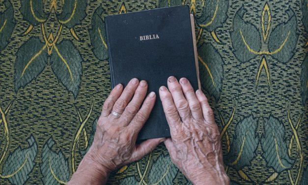 Necesitamos leer la Biblia, si no el corazón enfría