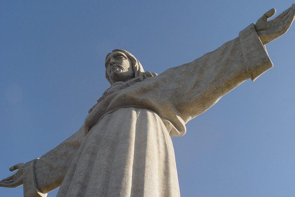 El reinado de Jesús en tiempos de violencia