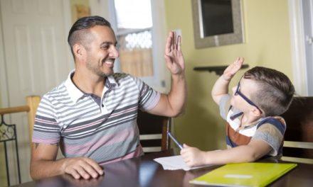 ¿Qué le enseñas a tus hijos? Hazlo tú o alguien más lo hará
