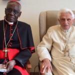 ¿Benedicto XVI es el co-autor del libro sobre el celibato?