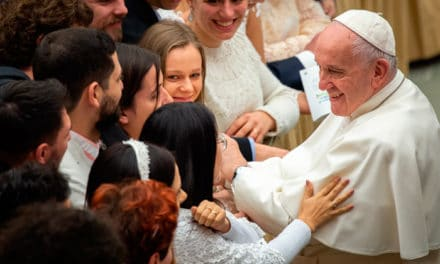 Papa Francisco califica la violencia a la mujer de «profanación a Dios»