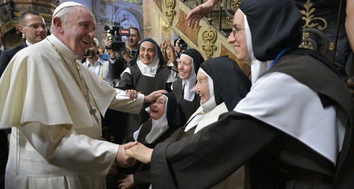 Las entretelas de la vida monástica femenina hoy…