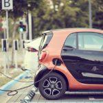 Autos eléctricos e híbridos a la alza