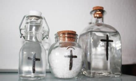 No sostengas tu fe en medallas o en sal