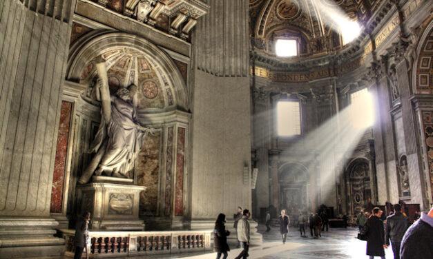 ¿El Vaticano, en bancarrota?