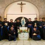 Los futuros sacerdotes se forman a la distancia