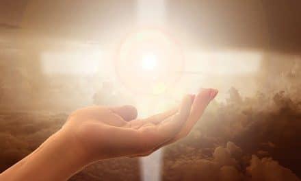 """""""Dios no te necesita, eres tú el que necesita de Él""""."""