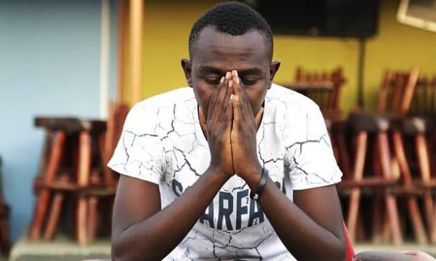 Un joven pide dirección espiritual
