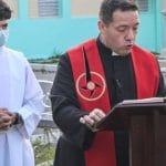 Esfuerzos sacerdotales para seguir con su ministerio