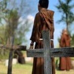 Sacerdotes, obispos y monjas enferman... y mueren