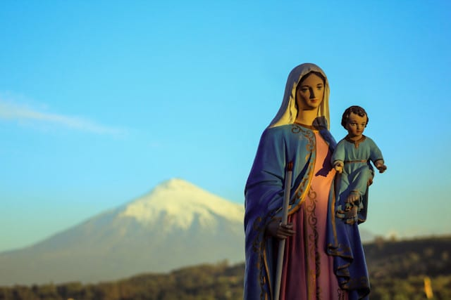 La Candelaria, la fiesta que ilumina al mundo