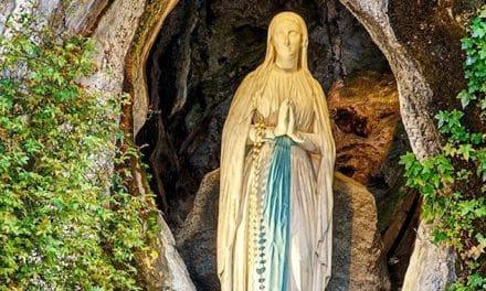 La  increíble historia de la gruta de Lourdes