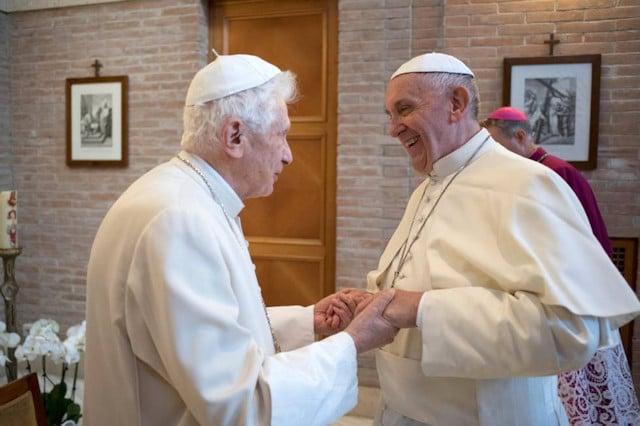 """El hombre Benedicto XVI: """"¿La dimisión de hace ocho años? Creo que lo hice bien"""""""