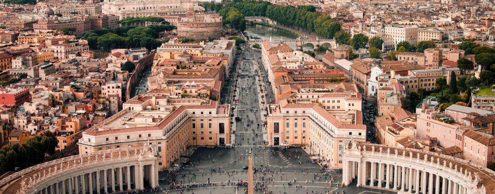 """Vacunas: """"Hay que confiar en la palabra del Vaticano"""""""