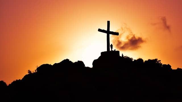 La Santa Cruz, signo de comunión con los sentimientos de Cristo