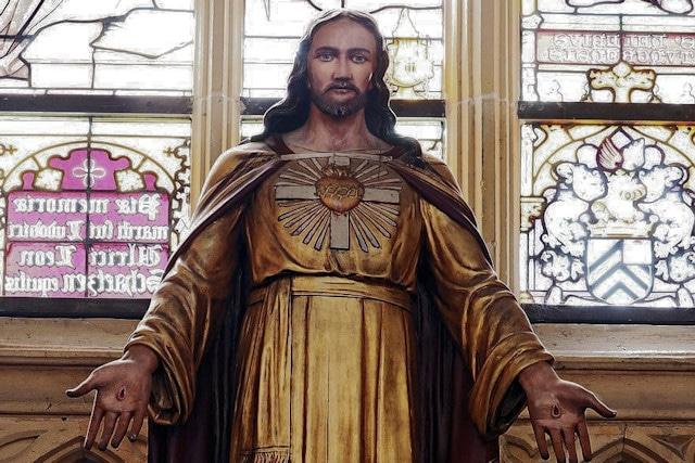 Razones para hacerse devotos del Sagrado Corazón de Jesús