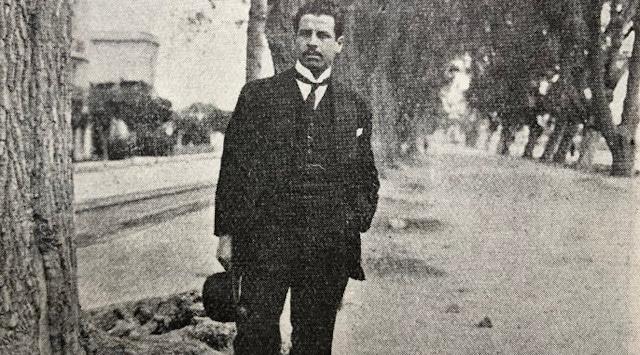 La 'moral de la simetría' en Ramón López Velarde