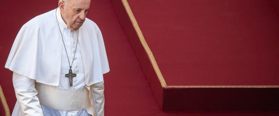 El Papa Francisco lamenta las muertes y consecuencias socioeconómicas de la pandemia