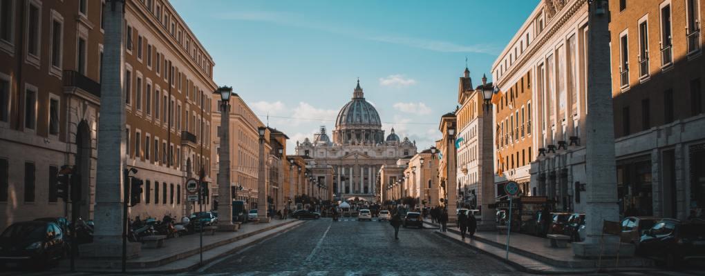 El Vaticano y el Papa adoptan el pase sanitario