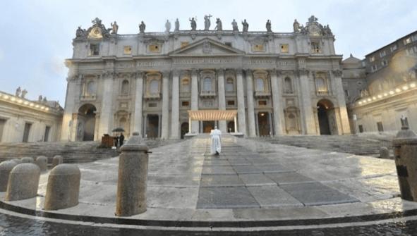 El Papa Francisco reitera la importancia de las vacunas en un nuevo libro sobre la pandemia
