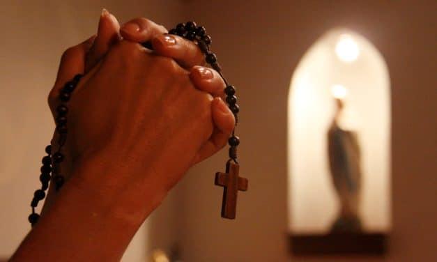 Una invitación a rezar el Rosario este 7 de octubre